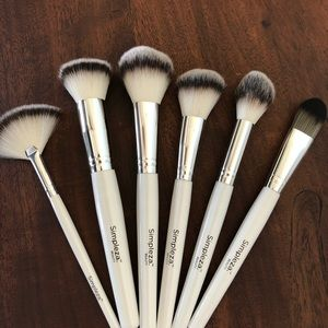 face brushes set of 6 - new